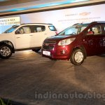 2016 Chevrolet Trailblazer and Chevrolet Spin front three quarter unveiled in Delhi