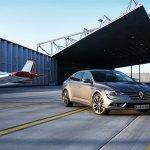 2016 Renault Talisman front quarter unveiled