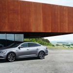 2016 Renault Talisman front three quarter (1) unveiled