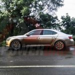 2016 Skoda Superb side india spied