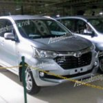 2016 Toyota Avanza front three quarter spied completely undisguised