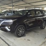 2016 Toyota Fortuner side leaked spyshot