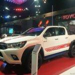 2016 Toyota Hilux Revo TRD Sportivo front quarter