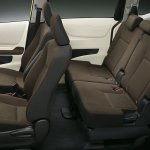 2016 Toyota Sienta cabin unveiled in Japan