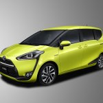 2016 Toyota Sienta front three quarter unveiled in Japan