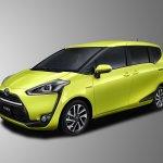 2016 Toyota Sienta front three quarter unveiled in Japan