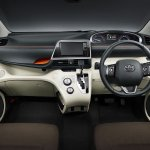 2016 Toyota Sienta interior unveiled in Japan