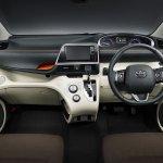 2016 Toyota Sienta interior unveiled in Japan