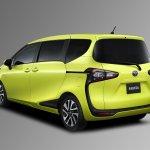 2016 Toyota Sienta rear three quarter unveiled in Japan