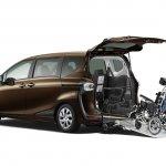2016 Toyota Sienta wheelchair-adapted model unveiled in Japan