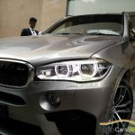 BMW X5M headlight snapped India
