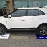 Hyundai Creta side with tent