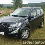 2015 Mahindra XUV500 (facelift) front quarter with turned wheel review