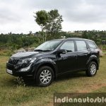 2015 Mahindra XUV500 (facelift) front three quarter review