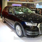 Audi Q7 front three quarter left at the Gaikindo Indonesia International Auto Show 2015