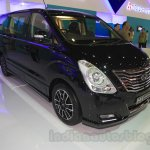 Hyundai H-1 Black Edition front three quarter left at the 2015 Indonesia International Motor Show