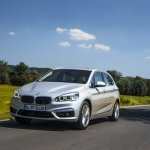 2015 BMW 225xe PHEV Active Tourer front quarter unveiled