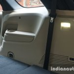 2015 Ford Endeavour lamp in the boot (Review)