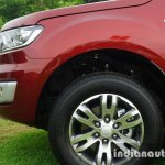 2015 Ford Endeavour wheel and fender (Review)
