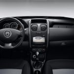 2016 Dacia Duster dashboard press shots