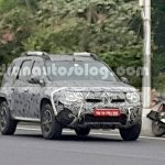 2016 Renault Duster (facelift) front quarter snapped by IAB reader