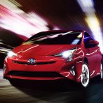 2016 Toyota Prius front three quarters North American specification official image