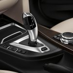 BMW 330e PHEV gear selector press image