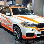 BMW X5 Emergency Vehicle front three quarters at IAA 2015