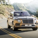 Bentley Bentayga front quarter press shots