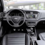 Hyundai i20 Active interior Euro spec