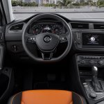 India-bound 2016 VW Tiguan R-Line steering wheel unveiled ahead of debut