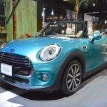 2015 Mini Convertible front three quarters at the Tokyo Motor Show 2015