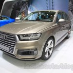 2016 Audi Q7 e-tron front quarters at the 2015 Tokyo Motor Show
