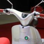 Honda EV-Cub Concept handle at the 2015 Tokyo Motor Show