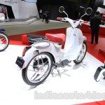 Honda EV-Cub Concept rear quarter at the 2015 Tokyo Motor Show