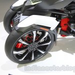 Honda Neowing concept front wheels at the 2015 Tokyo Motor Show