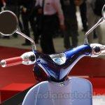 Honda Super Cub Concept handlebar at the 2015 Tokyo Motor Show