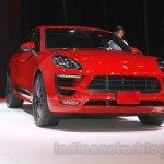 Porsche Macan GTS front quarter (1) at 2015 Tokyo Motor Show