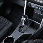 2016 Toyota Innova center console press images