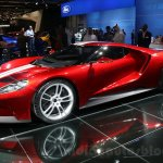 2017 Ford GT front three quarter at the 2015 Dubai Motor Show