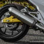 Mahindra Mojo black rear wheel review