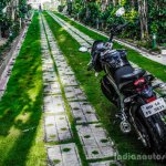 Mahindra Mojo grassland rear review