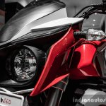 Mahindra Mojo red and white head light assembly review