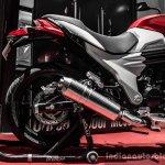 Mahindra Mojo red and white rear wheel review