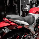 Mahindra Mojo red and white seat review
