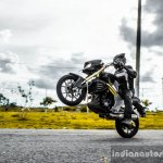 Mahindra Mojo wheelie wallpaper