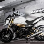 Mahindra Mojo white side review