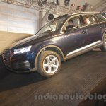 2016 Audi Q7 front three quarter launched in India