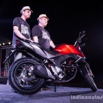 Honda CB Hornet 160R side launch