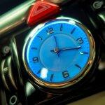 2017 Genesis G90 clock